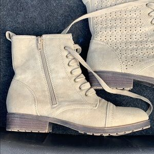 Justice boots